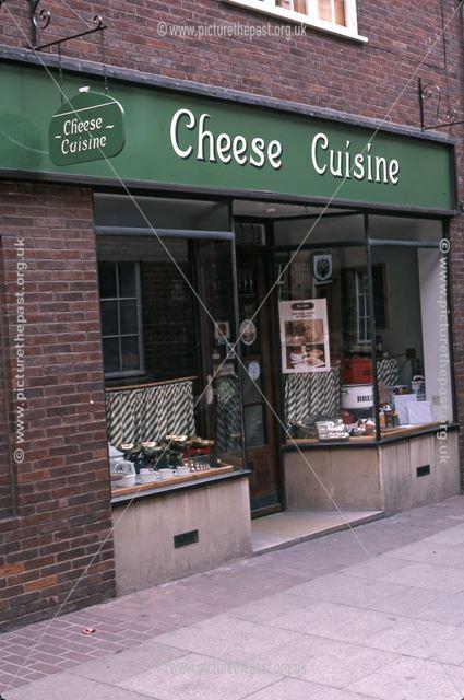 Cheese Cuisine, Saracen's Head Yard, Market Place, Newark, 1987