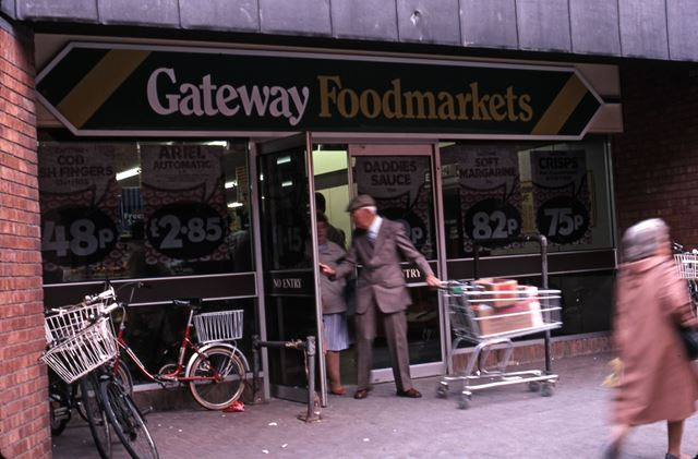 Gateway Supermarket, St. Mark's Shopping Precinct, 1987