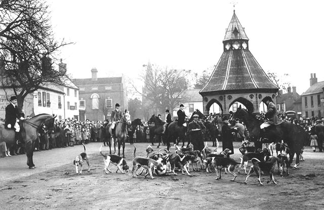 South Nottinghamshire Hunt Boxing Day Meet, Market Place, Bingham, 1950