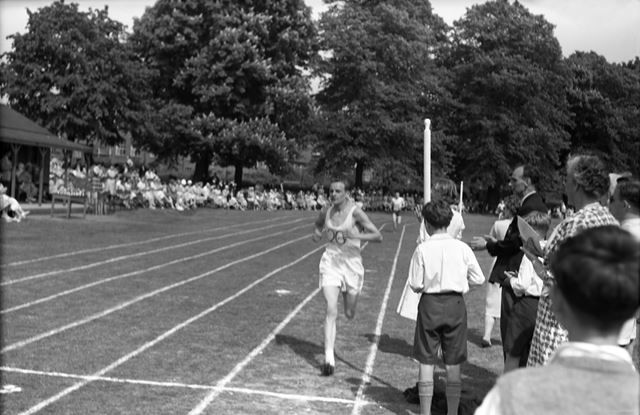 Sports Day - 100m Race, Herbert Strutt School, Derby Road, Belper, 1960