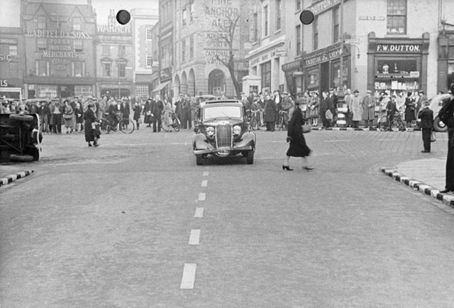 Traffic accident at the junction of Low Pavement and Tontine Road, 1939