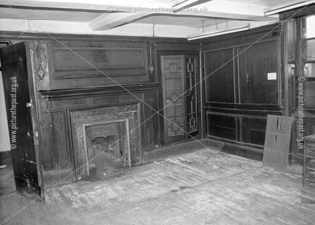Interior of no.2, St Mary's Gate, former Heathcote family residence