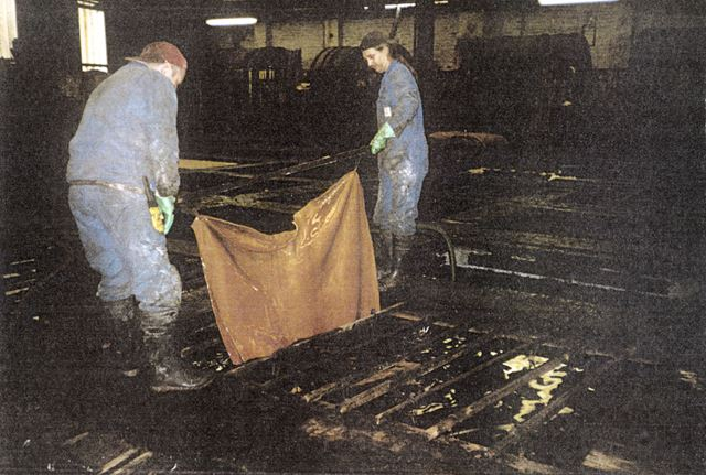 Dipping the Skins, Clayton Tannery, Chesterfield, 2004