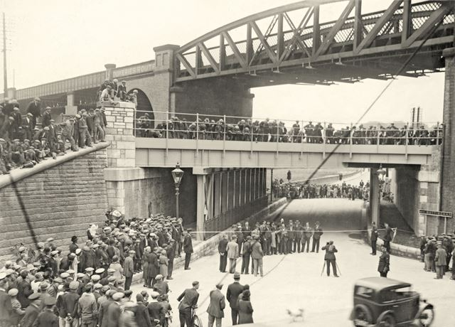 Horns Bridge during improvements, Chesterfield, post 1932