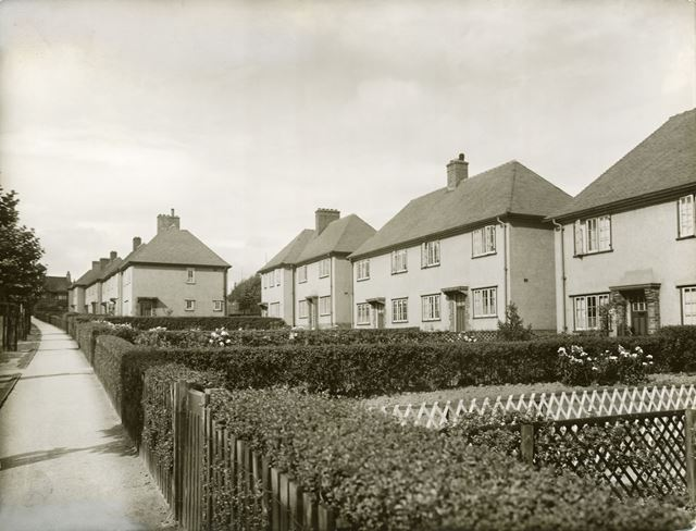 Houses on Maynard Road, St. Augustine's Estate, Boythorpe, Chesterfield, c 1930s