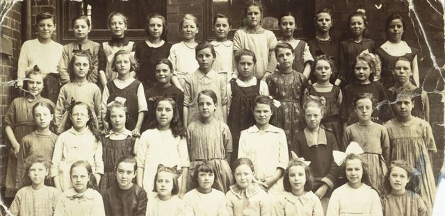 Brampton Board Girls School, Chesterfield, c 1920