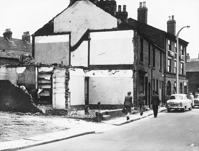 Demolition of 30/32 Beetwell Street, Chesterfield, 1956