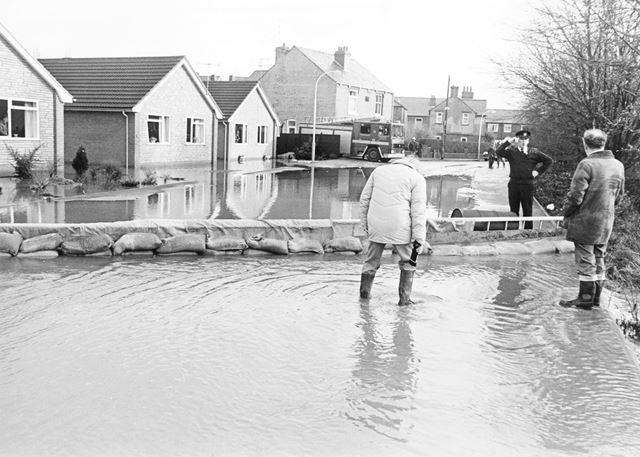 Floods, Rhodesia Road, Brampton, Chesterfield, 1986