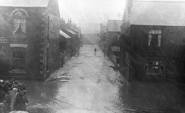 Flooding in Hipper Street West, Chesterfield, 1922