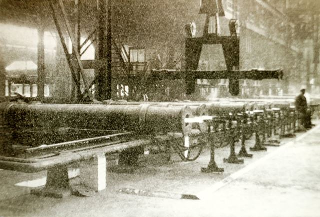 Lifting Pipes in the Sand Spun Plant
