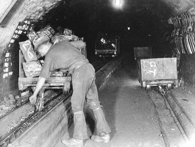 Clipping, Denby Colliery, 1898
