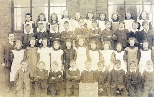 Class Photo, Hallam Fields School, c 1910