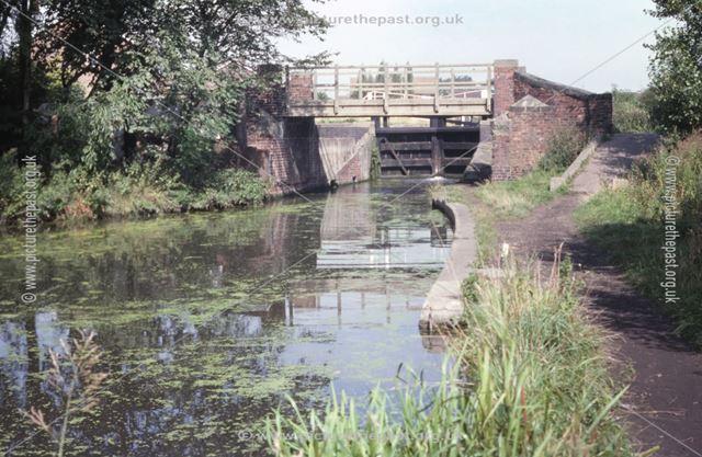 Erewash Canal at Green's Lock, Larklands, Ilkeston, 1979