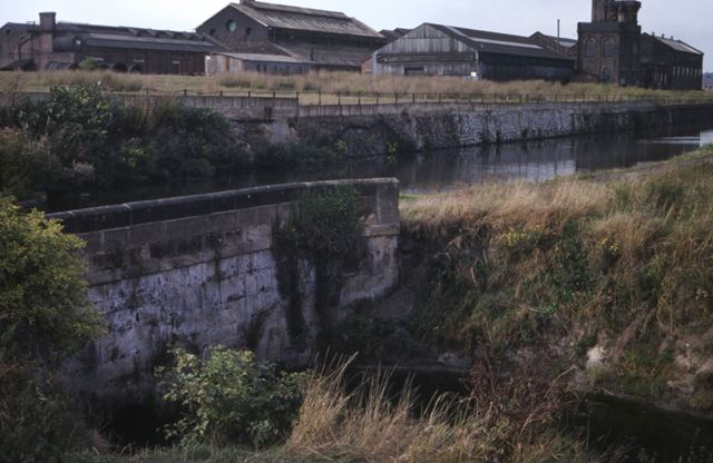 Aqueduct carrying the Erewash Canal over the Nut Brook, Stanton Works, 1979