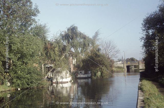 Erewash Canal south of Station Road, Sandiacre, 1979