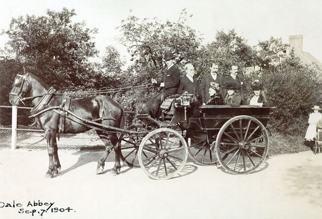 Waggonette and passengers, Dale, 1904