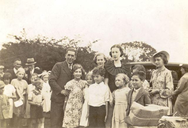 Sunday Service on West Park, Long Eaton Carnival, 1936