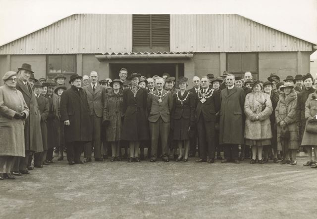 Cavendish School canteen opening, Ilkeston, 1944