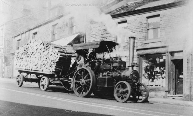 Tiger Tractor in Norfolk Street, Glossop, c 1905