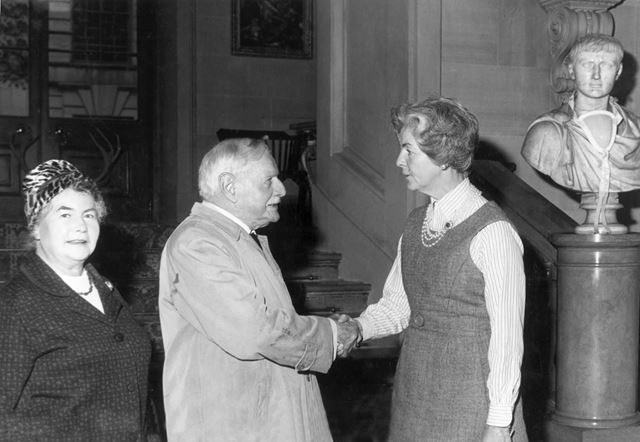 Buxton Archaeological Society's Dr J W Jackson meets the Duchess of Devonshire at Chatsworth House