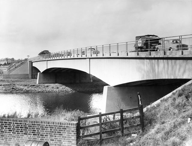The New Bridge over the River Trent