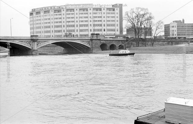 River Trent - Trent Bridge from the Victoria Embankment