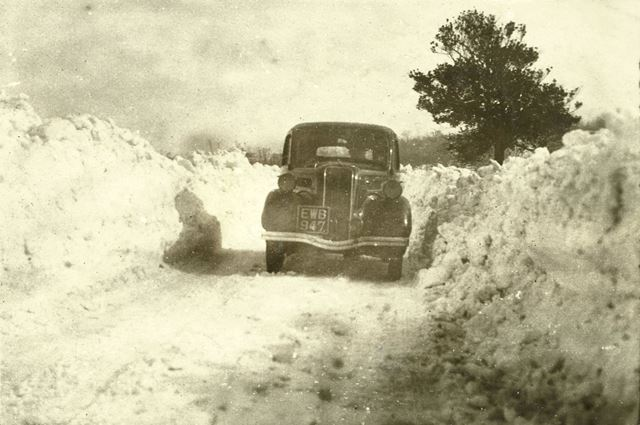 Deep snow drifts at High Moor, Killamarsh, during the harsh winter of 1947.