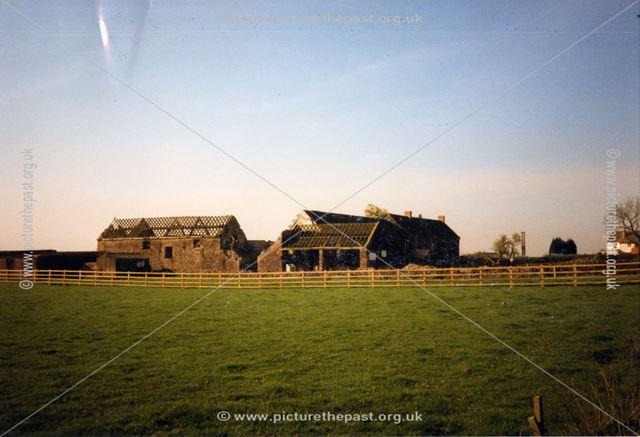 Derelict farm at Belper