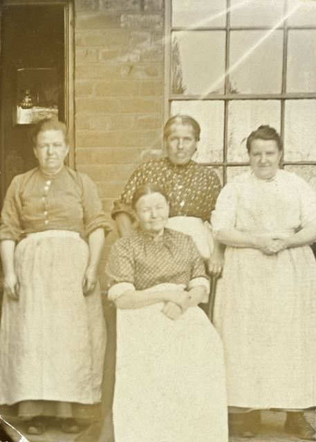 Local Miners' Wives, Stonebroom