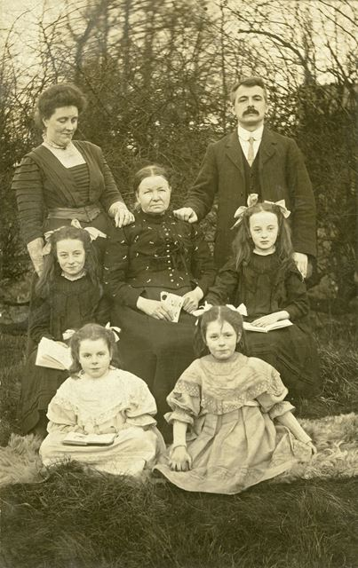 Colliery Man and Family, Stonebroom