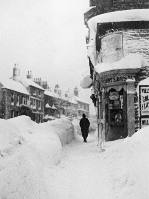 The snow storm of 24th-26th February, High Street, Buxton, 1933
