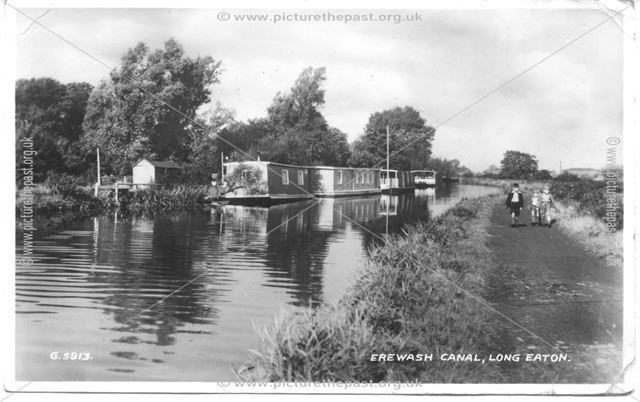 Houseboats on Erewash Canal, nr. Long Eaton, c 1930s