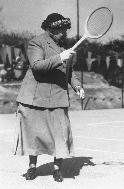 Mrs Rotherham Cecil opening the tennis courts at Cliffe Park