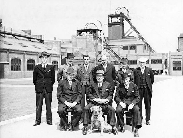 'The Modernisation of Williamthorpe Colliery 1938-40' - Technical Staff : Chief Electricians, draugh