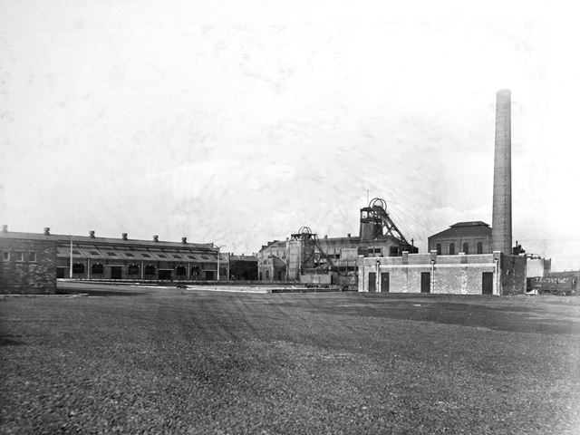 'The Modernisation of Williamthorpe Colliery 1938-40' - 'General view from the new colliery vard', a