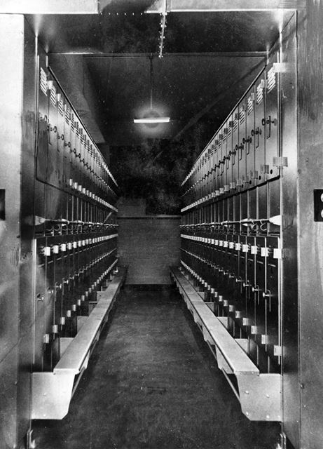 'The Modernisation of Williamthorpe Colliery 1938-40' - Clean clothes lockers at the new pithead bat