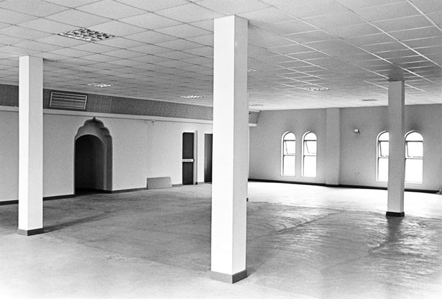 Interior of the Jamia Mosque
