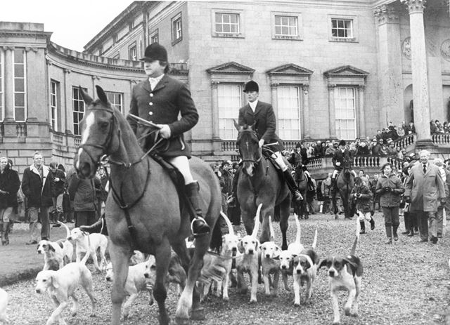 Meynell and South Staffordshire Hunt at Kedleston Hall