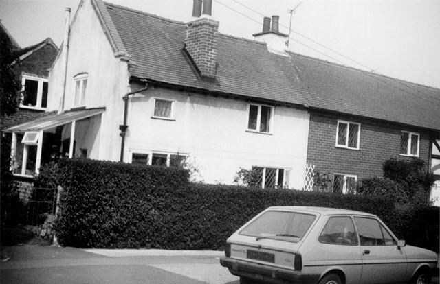 Cottages in Field Lane