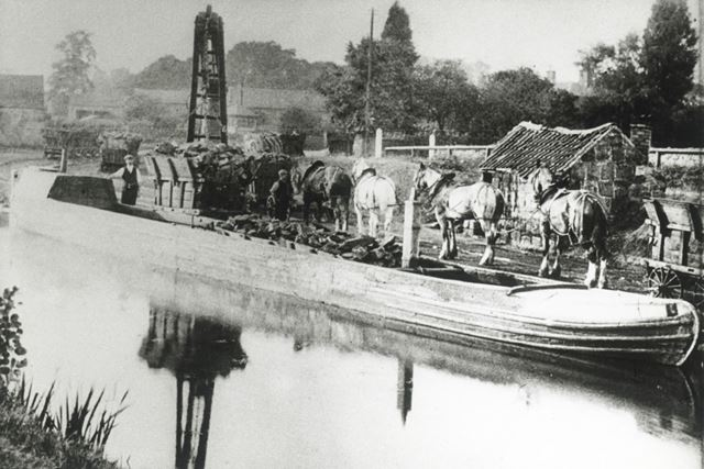 Canal and Barge, Little Eaton, 1908